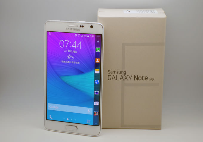 [Unbox]  手機螢幕變彎彎更有趣:Samsung GALAXY Note Edge 冰霜白開箱分享!