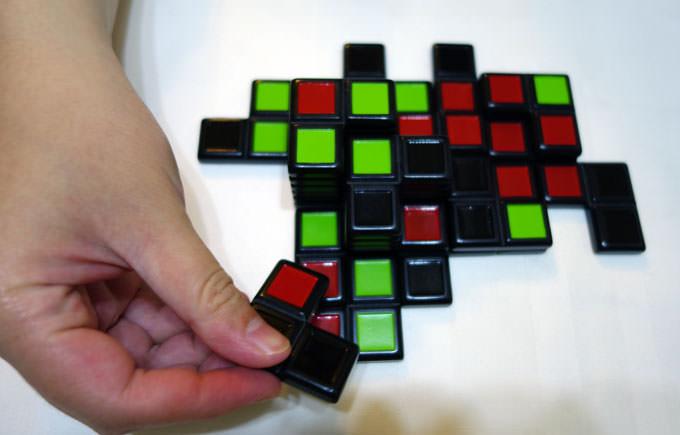 佔地為王!1分鐘就上手、讓你一玩就無法罷手的抽象策略桌遊「Strato Polis」!