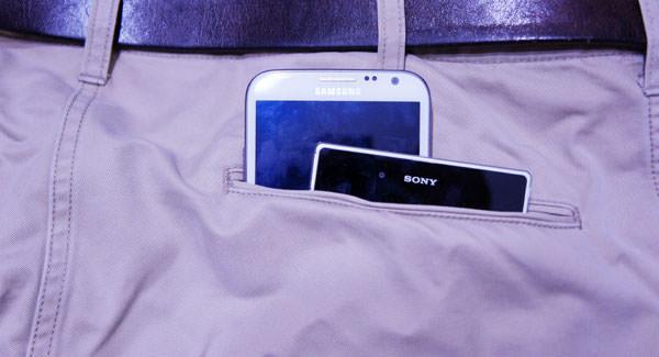 [Mobile] 大手機尺寸太驚人,讓俊男美女不買單?空口說白話請退散!市場需求才是真理!