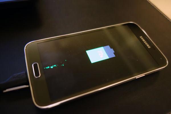 關機充電也有戲!來看看GALAXY S5的設計小細節!